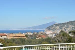 panorama da casa vacanze la terrazza a sorrento